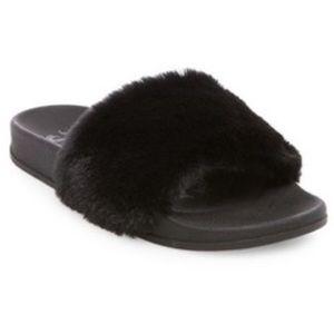 Black fuzzy comfy summer sandals